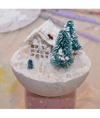Dekoracje świąteczne z kul styropianowych i bombek akrylowych