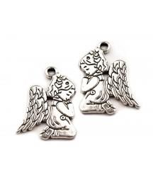 Metalowa zawieszka - aniołek platyna